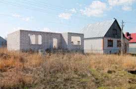 Недостроенный дом в мкр. Заречье