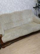 Диван-кровать и два кресла в хорошем состоянии